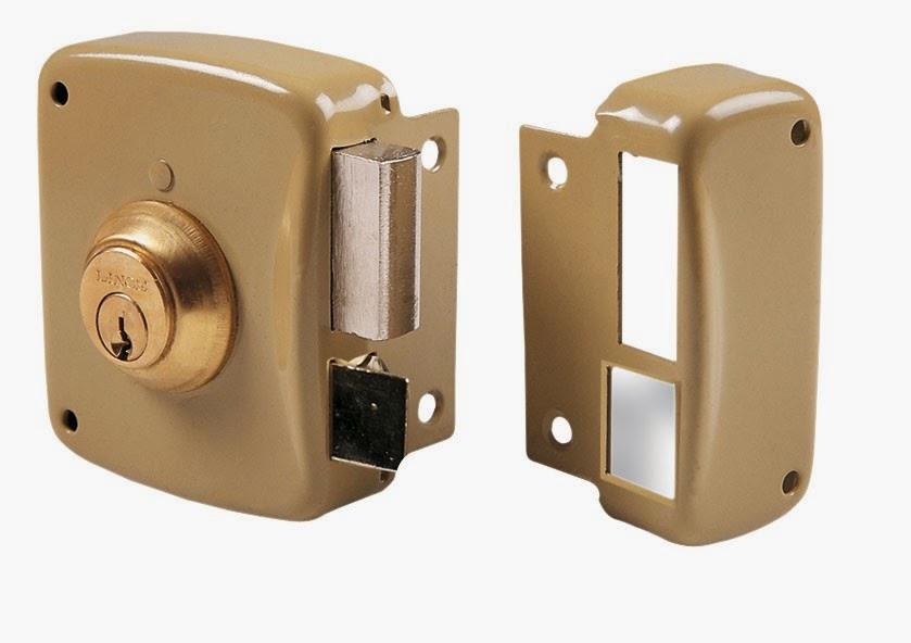 Instalaci n de cerraduras de sobreponer lince cerrajeros - Cerraduras para puertas metalicas ...
