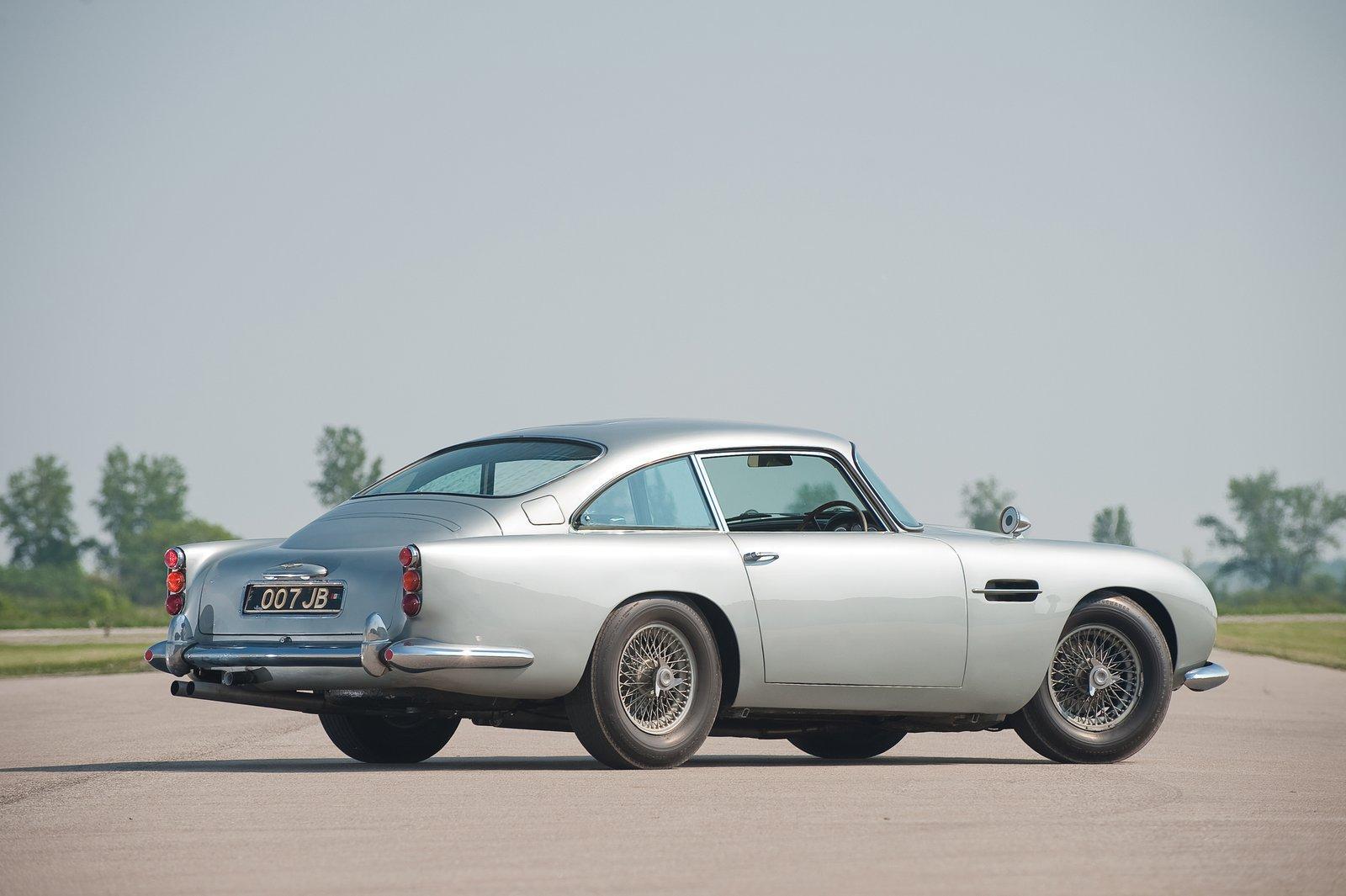 Sketchbook Historic Cars 1984 Aston Martin Db5 James