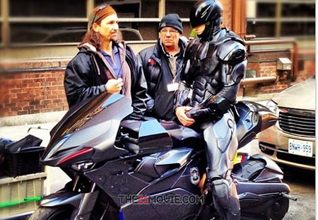 robocop2014 Download Movie : RoboCop (2014) DVDrip
