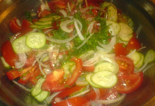 salata, salata de casa, salata verde, garnituri, retete garnituri, retete culinare, preparate culinare, retete salate, reteta salate, retete salata, reteta salata, salata cu rosii si ardei, salata de casa,