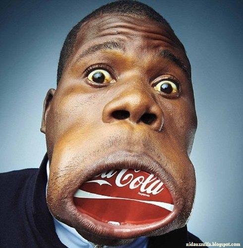 Manusia Dengan Mulut Kudanil Seperti Manusia Mulut Karet