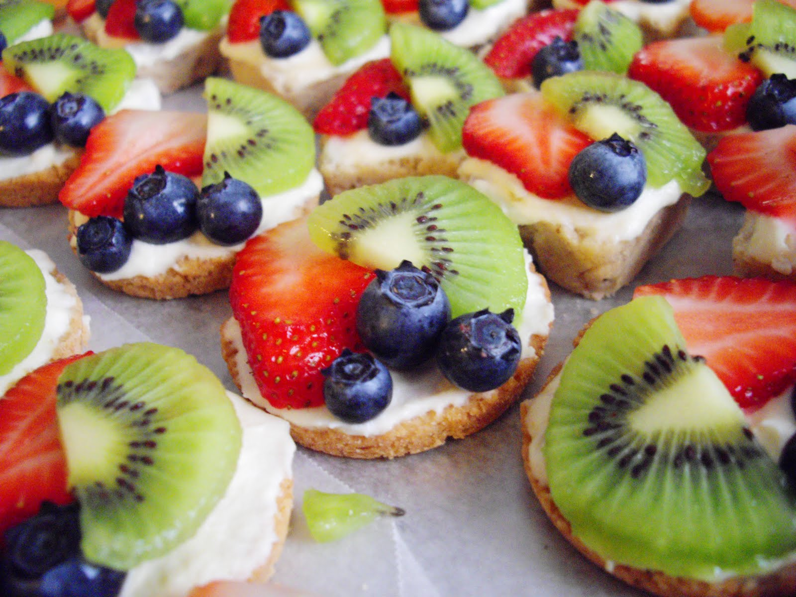 Mexican Wedding Fruit Pizza