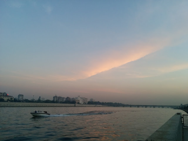 AHMEDABAD RIVER FRONT EVE