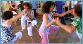 Biodanza®: la combinazione di musiche, proposte di movimento, e incontri con sé e gli altri