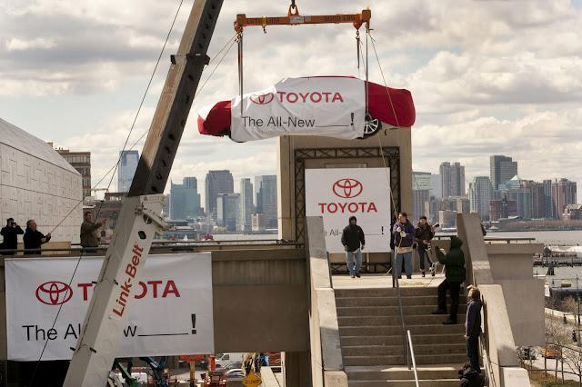 سيارة تويوتا أفالون 2013 .. الجديدة كلياً 2013-Toyota-Avalon-S