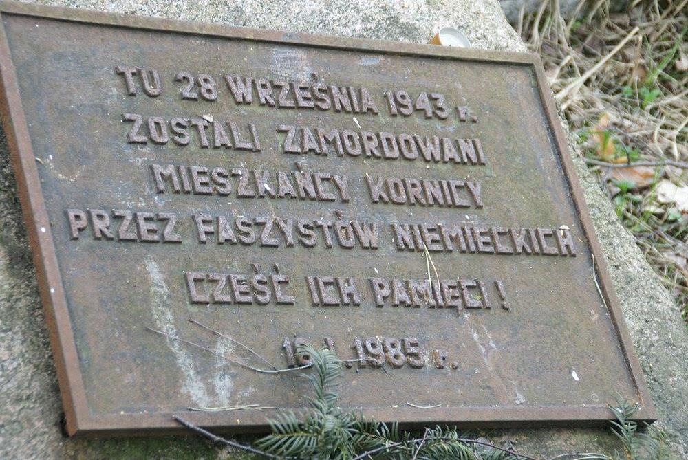Barycz. Szesnastego stycznia 1985 roku odsłonięto tablicę pamiątkową i wzniesiono metalowy krzyż. Foto. Jerzy Rąbalski.