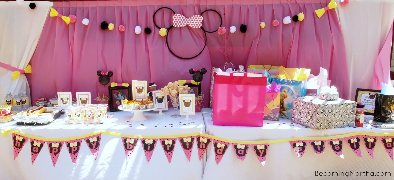 Minnie mouse party decor becoming martha minnie mouse party decor amipublicfo Choice Image
