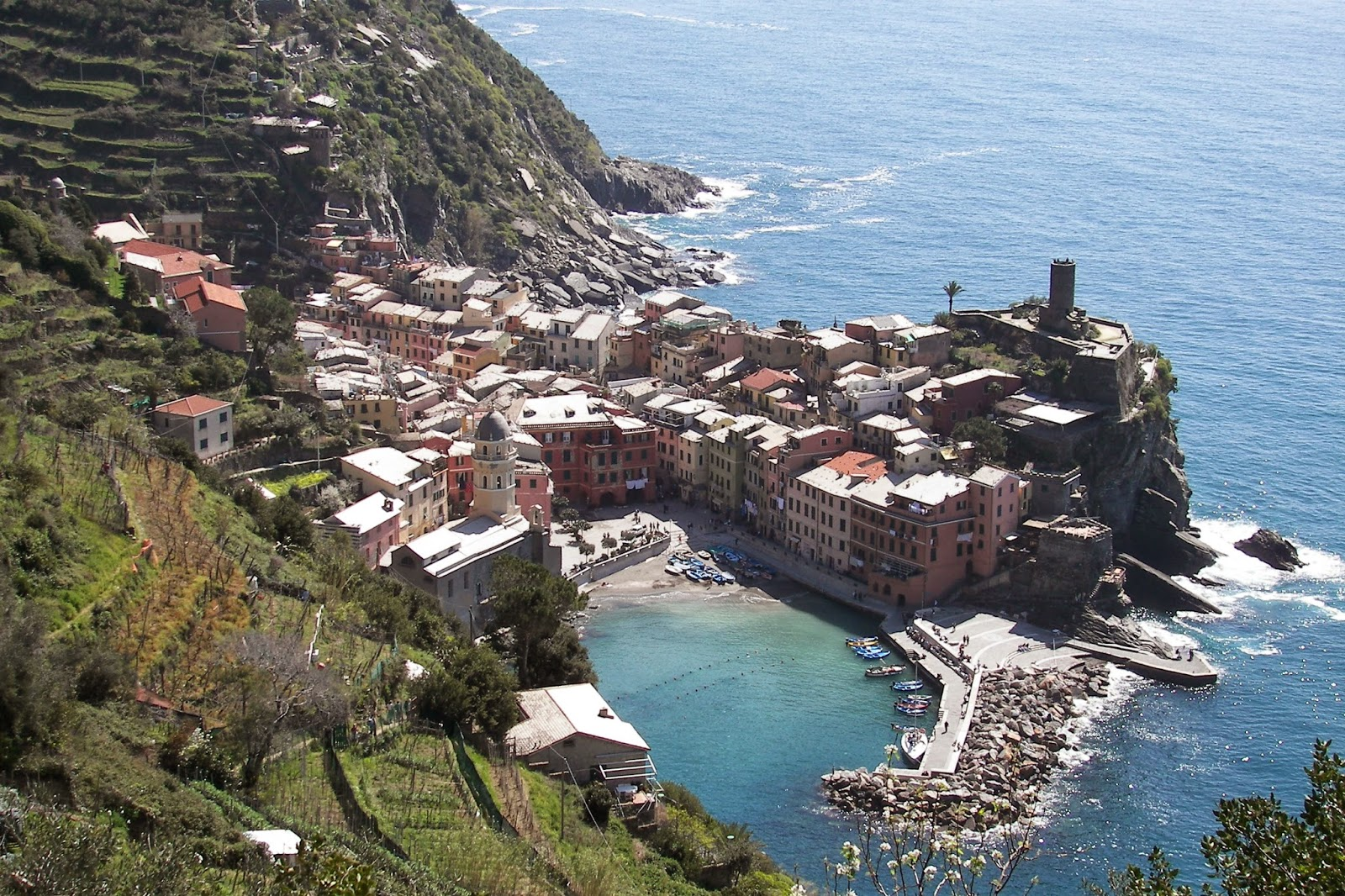 10 Kota Kecil Paling Spektakuler di Italia