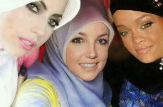 Gempar 1 Dunia Bila Lady Gaga, Britney Spears dan Rihanna Bertudung
