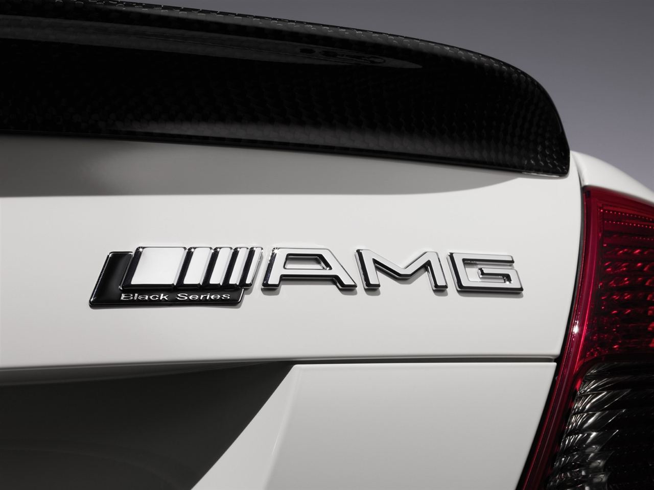 Stormtrooper mercedes amg for Mercedes benz amg logo