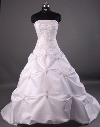 First Class Events: Wedding Gowns for Hire....Harare and Marondera