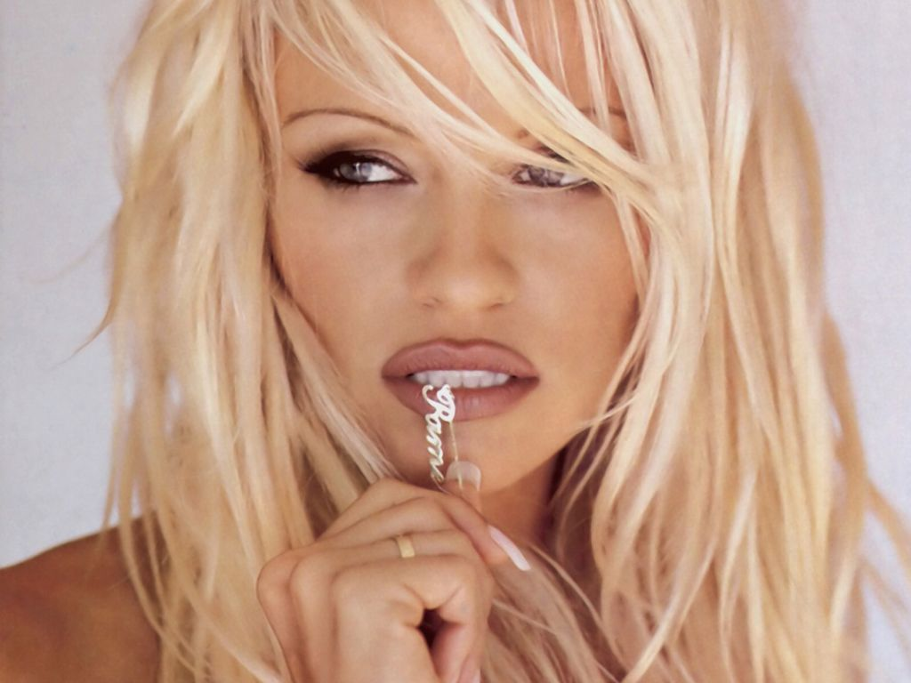 Pamela Anderson Wallpapers