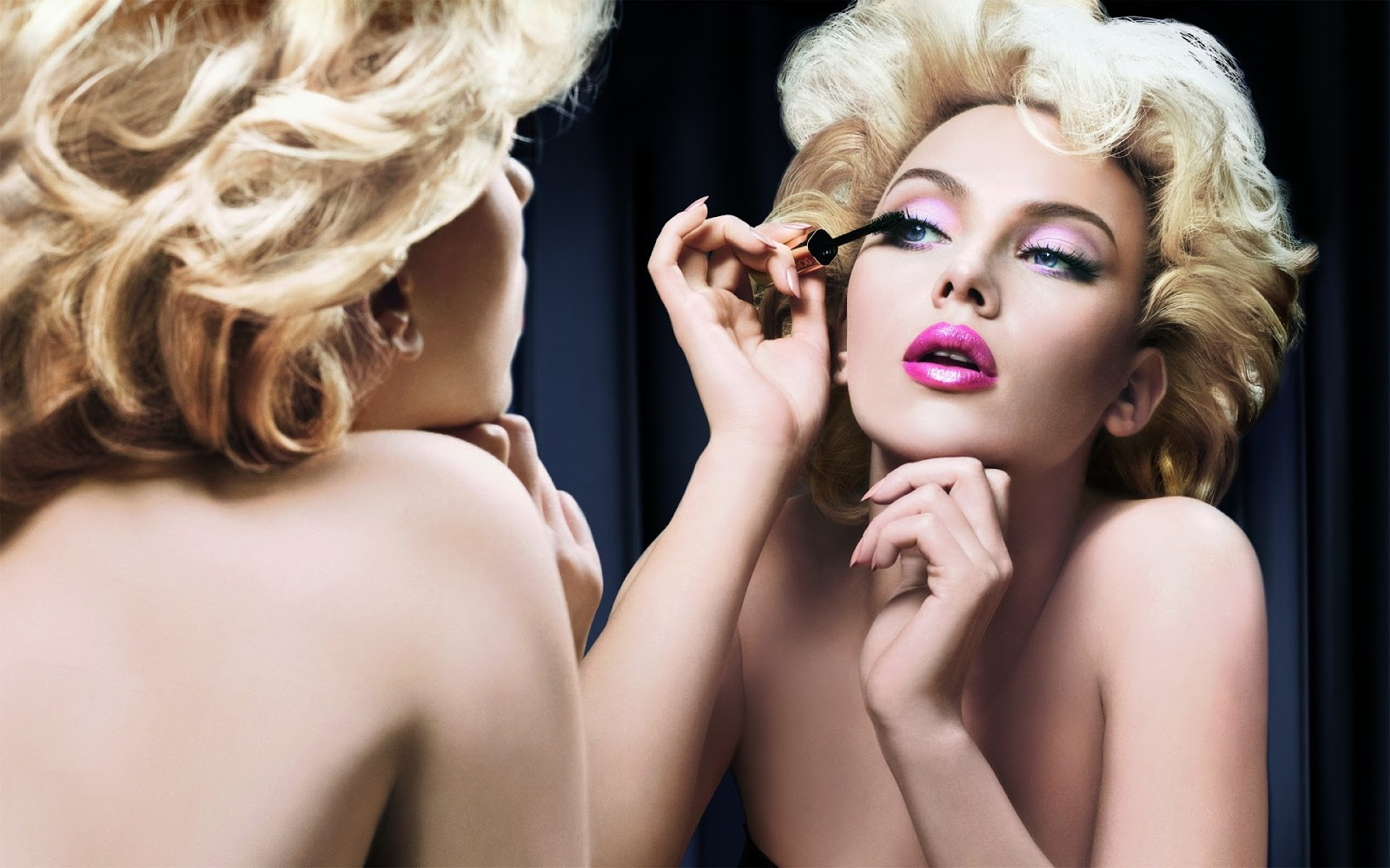 http://1.bp.blogspot.com/-z5f2xlsbFmA/TwJxL4W2DZI/AAAAAAAAAw8/L8TuHmlbH5E/s1600/scarlett-johansson-makeup-wallpaper-1226--1920-x-1200-widescreen.jpg
