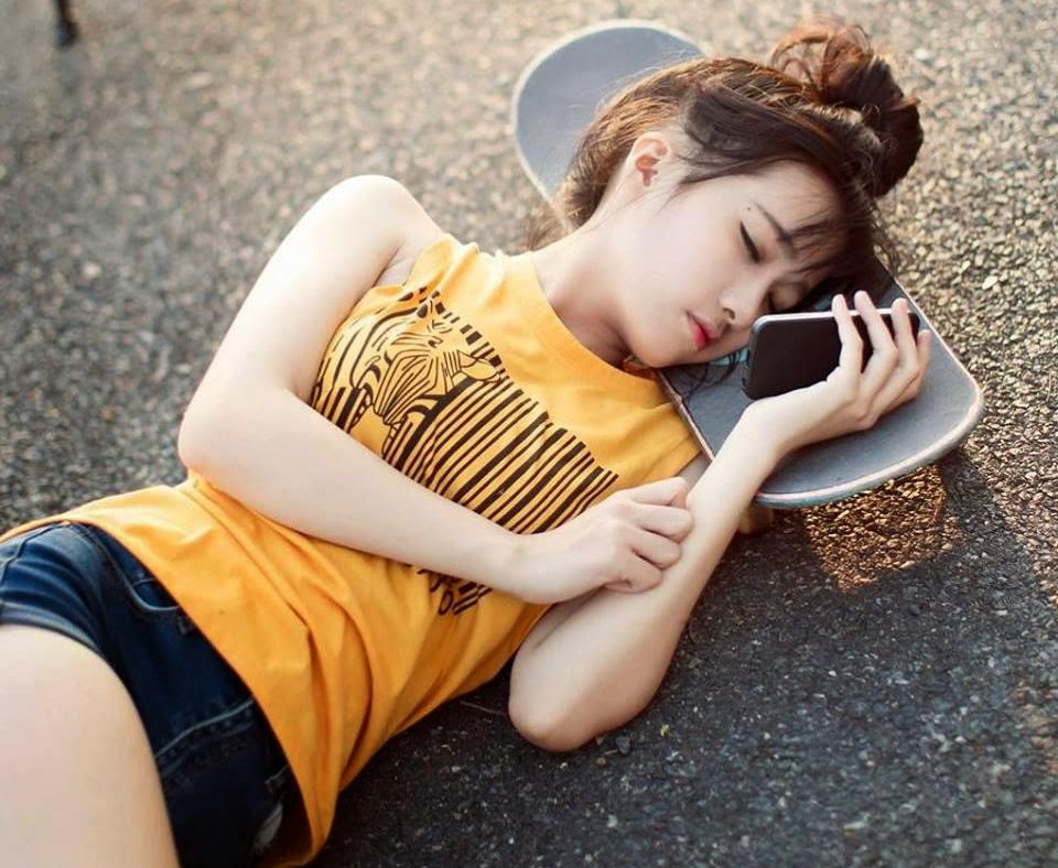 Ảnh gái đẹp HD Bé Moon THPT Văn Hiến 2