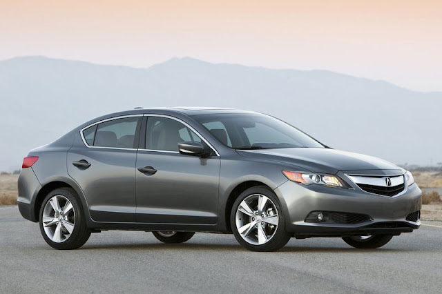 2013-Acura-ILX-Exterior-Front