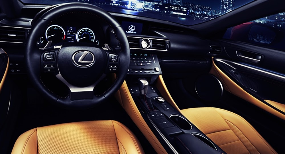 Lexus RC Sports Coupe dashboard
