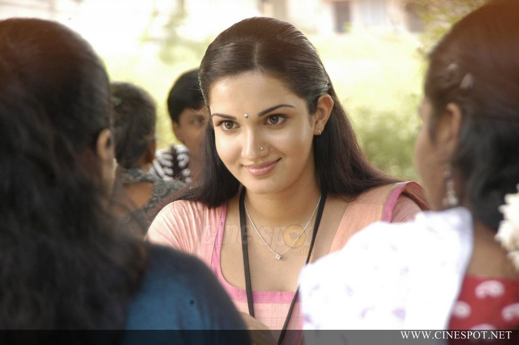 Honey Rose Stills - tamil Actress