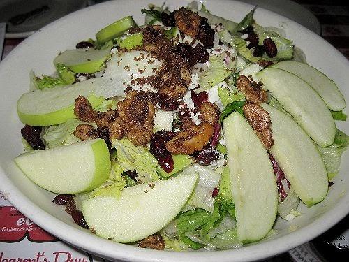 Buca di Beppo Copycat Recipes: Apple Gorgonzola Salad
