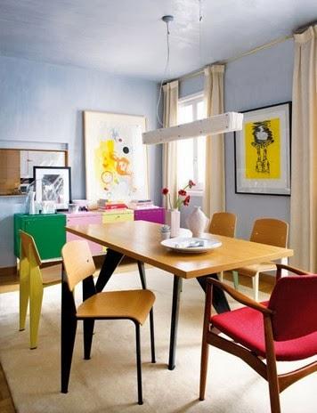 Artystyczne wnętrze i krzesło Jeana Prouv'a