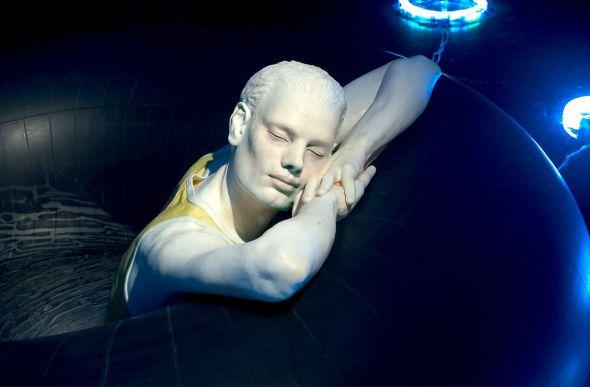 Ângela Lergo esculturas e instalações de arte surreais oníricas O mar interno