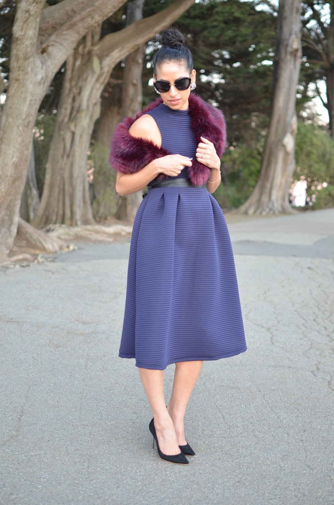 Allergic To Vanilla, boohoo dress, Sophia Webster Coco Flamingo heels, vintage earrings, ladylike dress, feminine vibe, SF style, how to style a ribbon, purple faux fur stole, Miu Miu cat-eye sunglasses