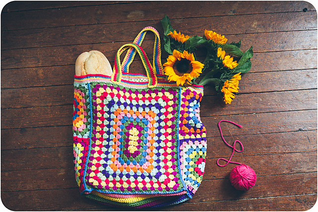 Granny Square Bag Free Pattern : Crochet a one-of-a-kind granny square bag... ?