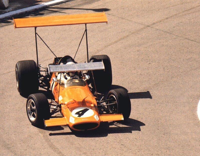 [Imagen: McLaren-M7C-Monaco-1969.jpg]