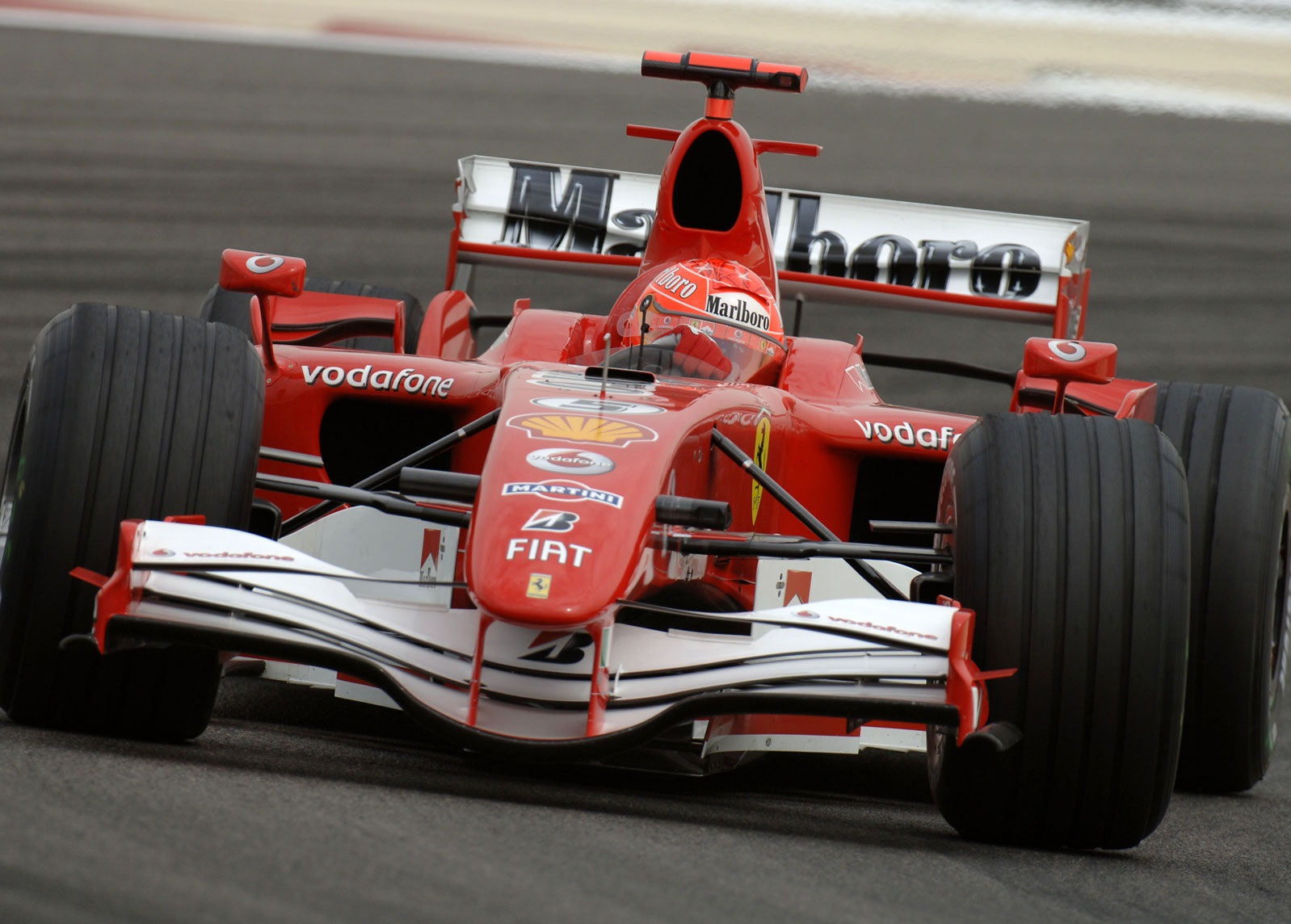 http://1.bp.blogspot.com/-z7WREOdlwUM/TcaVd9mRopI/AAAAAAAAAOk/RUglR27C5vg/s1600/Ferrari_F1_194_1600.jpg