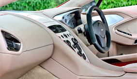Interior Mobil Aston Martin Vanquish Indonesia_3