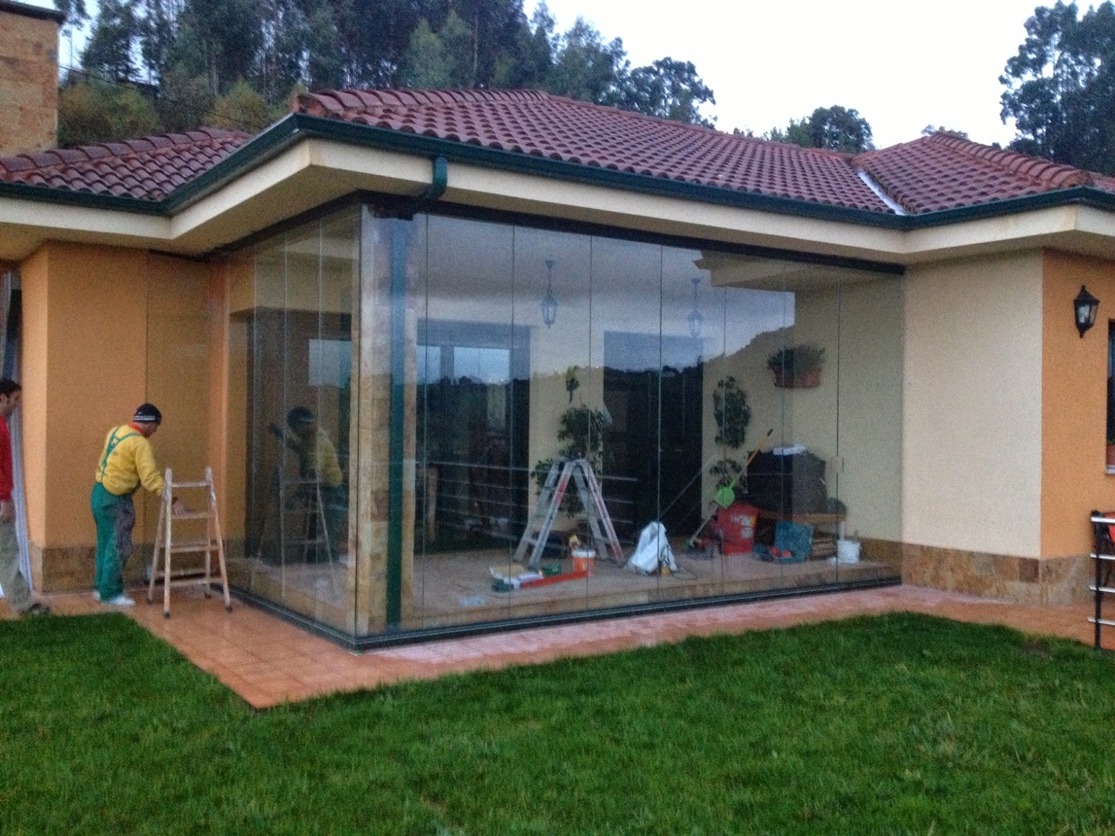 Alual carpinteria metalica cortinas de cristal para - Cierres de aluminio para terrazas ...