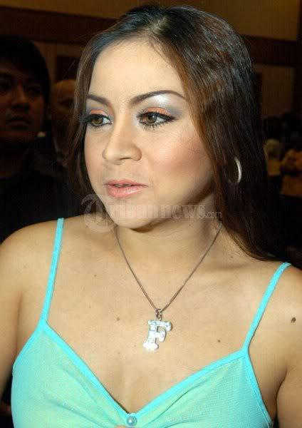 Anisa Bahar - Artis Dangdut - Annisa Bahar terkenal sebagai penyanyi ...