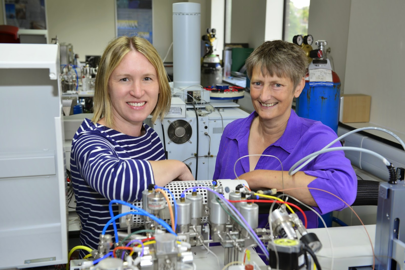 Professor Jane Evans (right) and Dr Angela Lamb (left) in their lab in NIGF