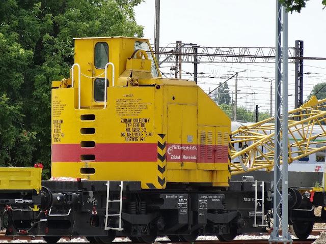 Żuraw kolejowy EEK-80