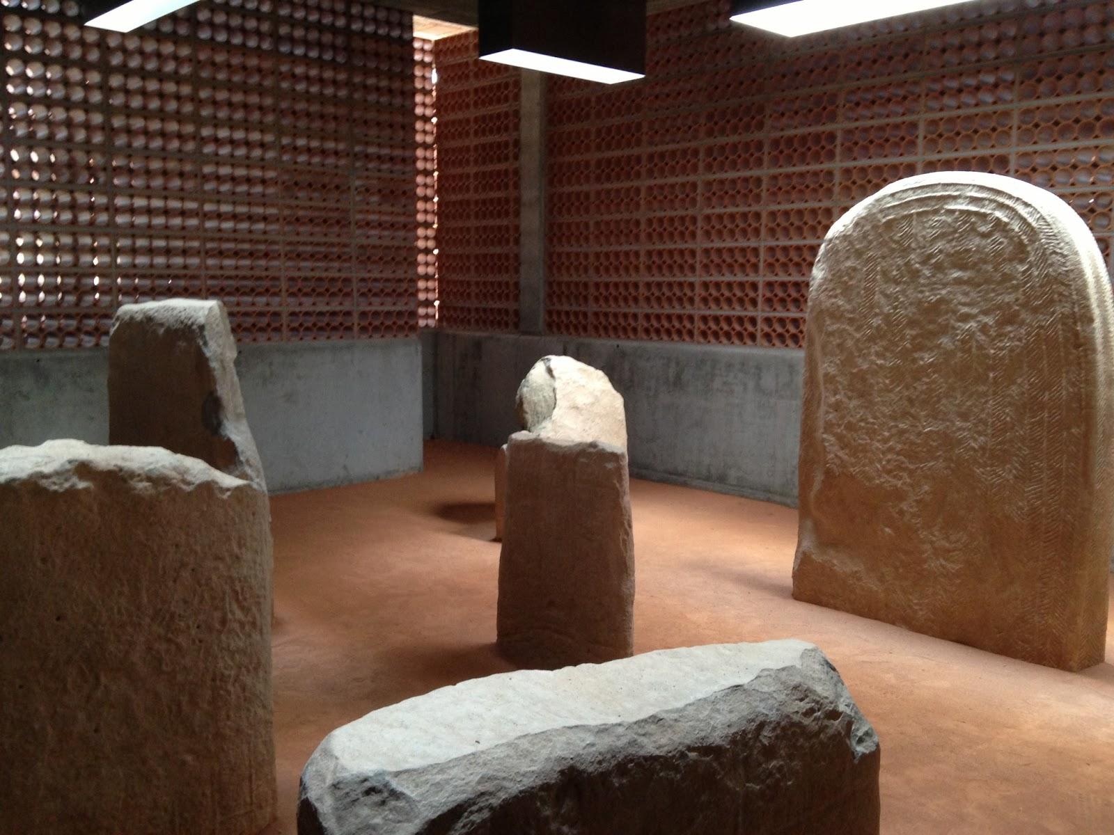 Tocho t8 toni giron s 1965 museo del t mulo y dolmen for Cuarto milenio museo