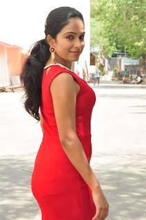 Vrushali Gosavi Stills At Vaadu Nenu Kadhu Movie Launch 14.jpg