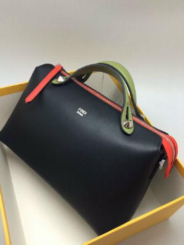 Где купить сумку Fendi в Санкт-Петербурге? Духи и одежда Fendi