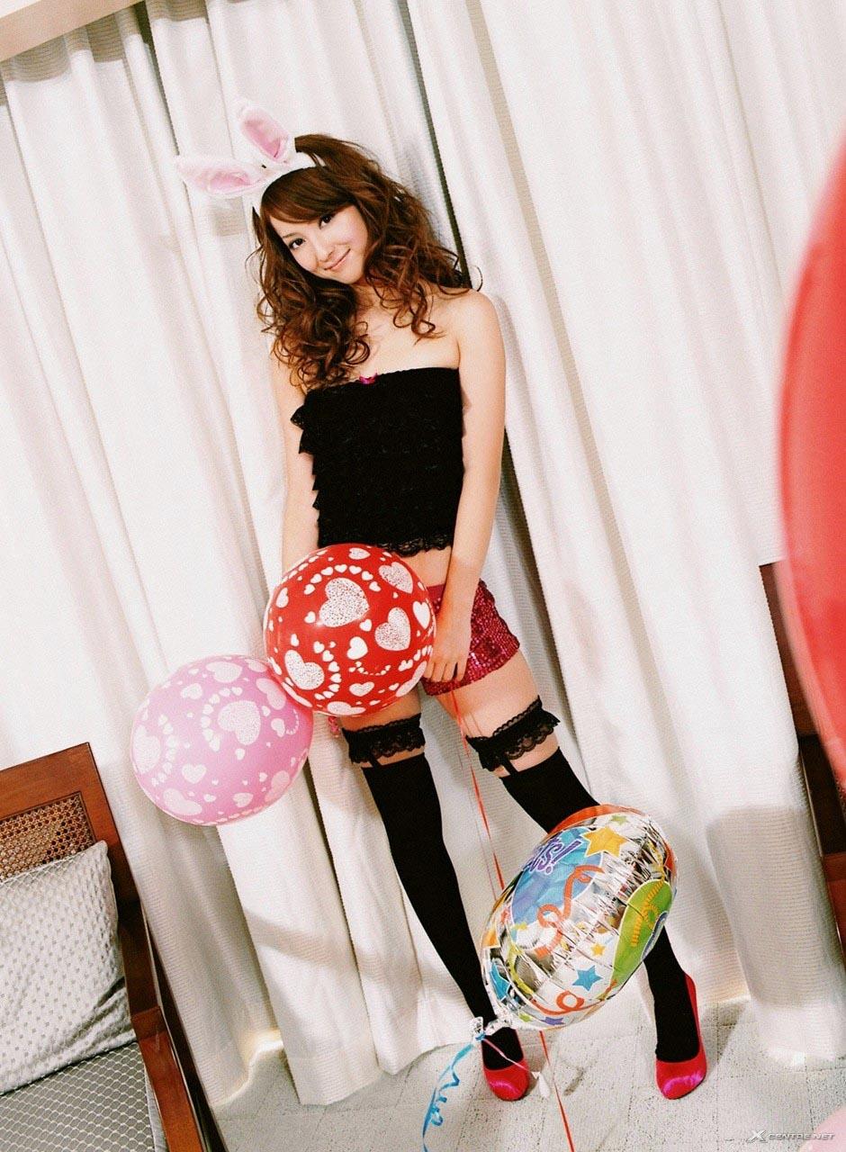 nozomi sasaki bunny ear outfit 01