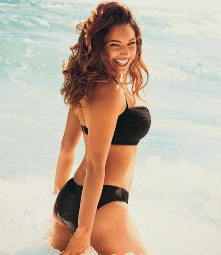Being beautiful can be so boring, but the British beauty, Kelly Brook has found a way to amuse herself while making sure that she is perfectly primped and catered for New Look Swimwear Collection Photo shoot on April 2014