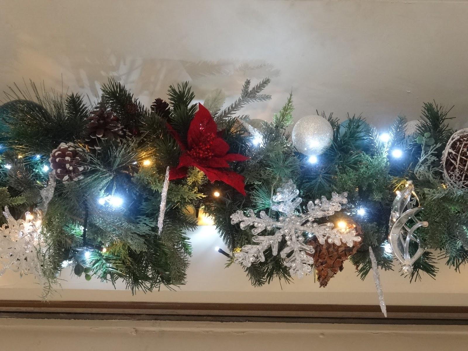 クリスマス装飾〈著作権フリー画像〉Free Stock Photos