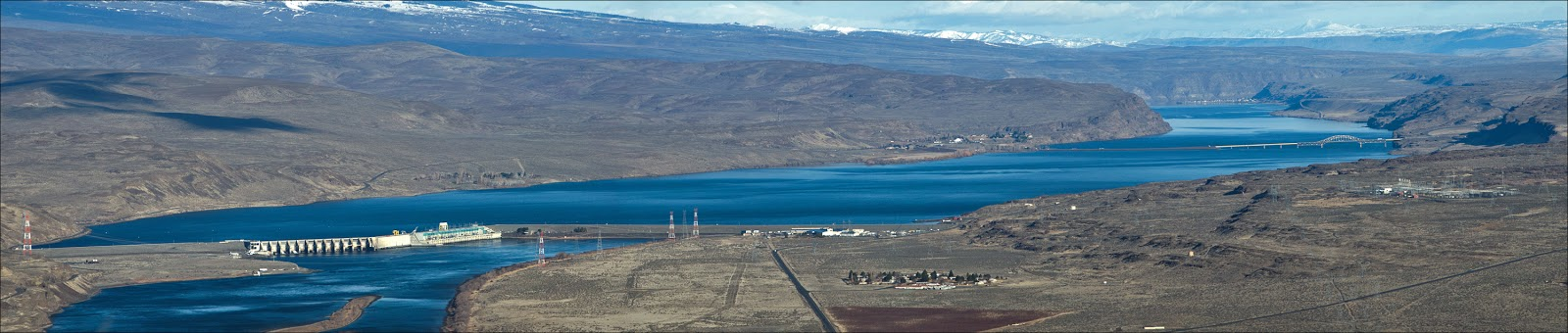 Wanapum Dam (left) and I-90 Bridge (right) at Vantage, WA