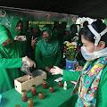 Produksi Persit Yonif R-301 Berupa Sirup Lemon dan Madu Trigona Menarik Perhatian Istri KASAD