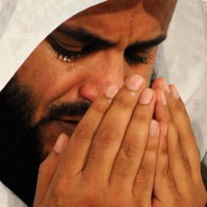 Gambar: Gambar Islam - Orang sedang berdoa