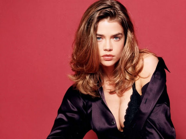 Denise Richards wallpaper