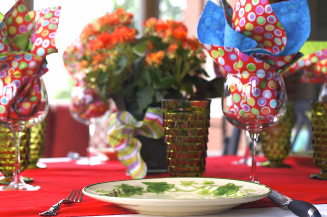 Tennessee Food Blog, screen porch, dinner party, tables cape