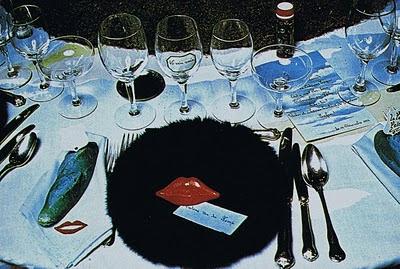 http://1.bp.blogspot.com/-z9ZrzKR06Zs/TkdZmjXSgOI/AAAAAAAAfK0/LVmfHQ98zMI/s400/Detail+of+a+table+with+a+fur+dish%252C+Mae+West+red+lips+and+a+blue+bread.jpg