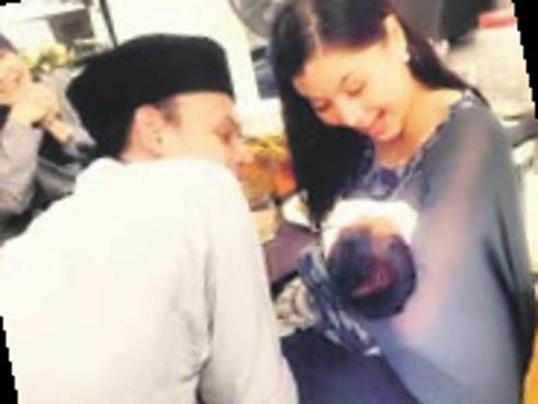 Lisa Yusry rai Baby Lara