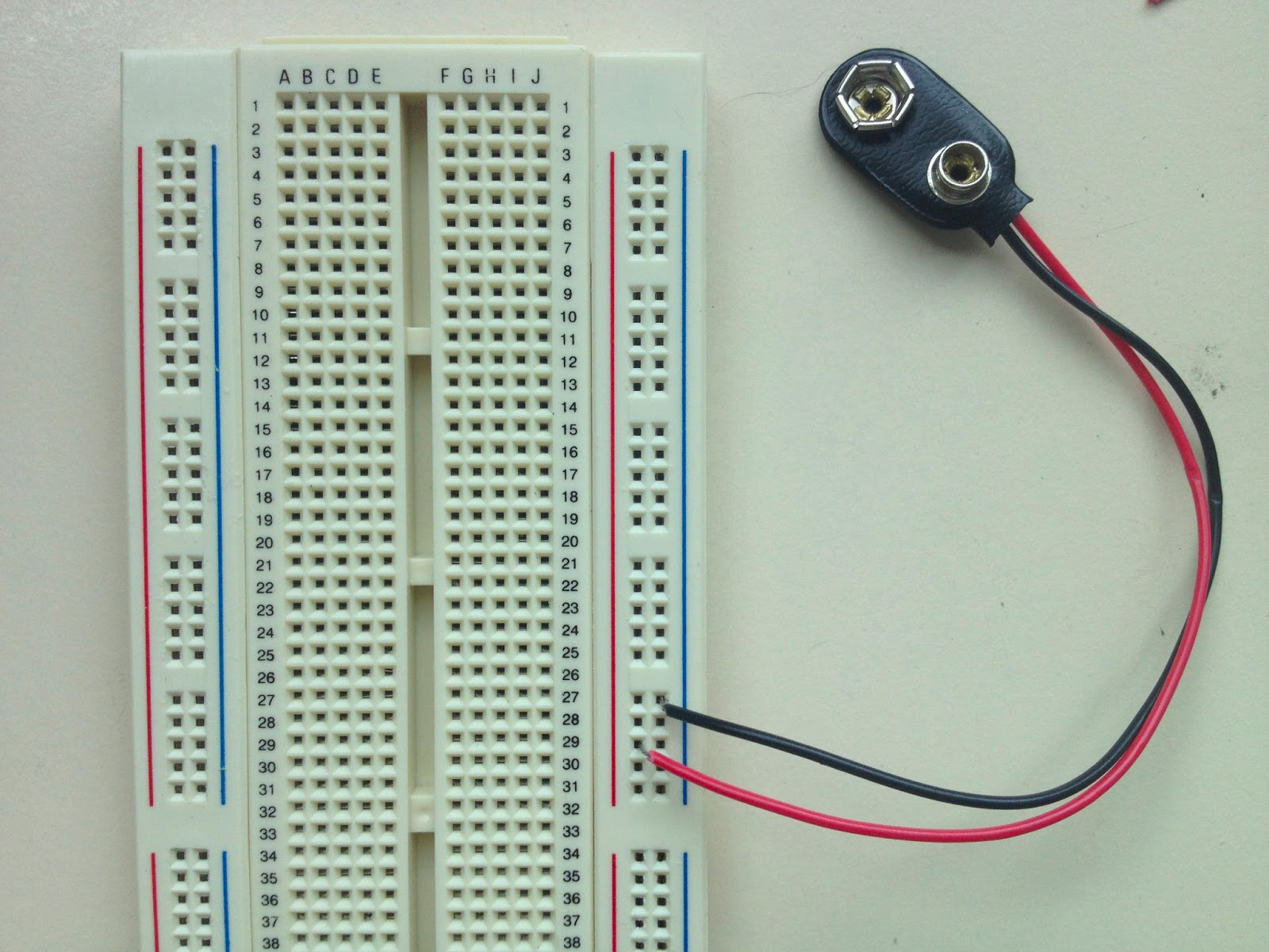 little-scale: Breadboard Basics 2: From Schematic to Breadboard ...