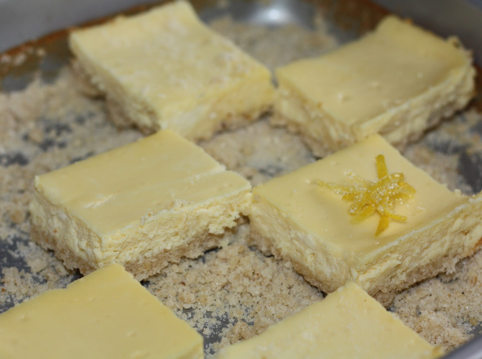 Mel's Sweet Treats: Lemon Cheesecake Squares (for Passover!)