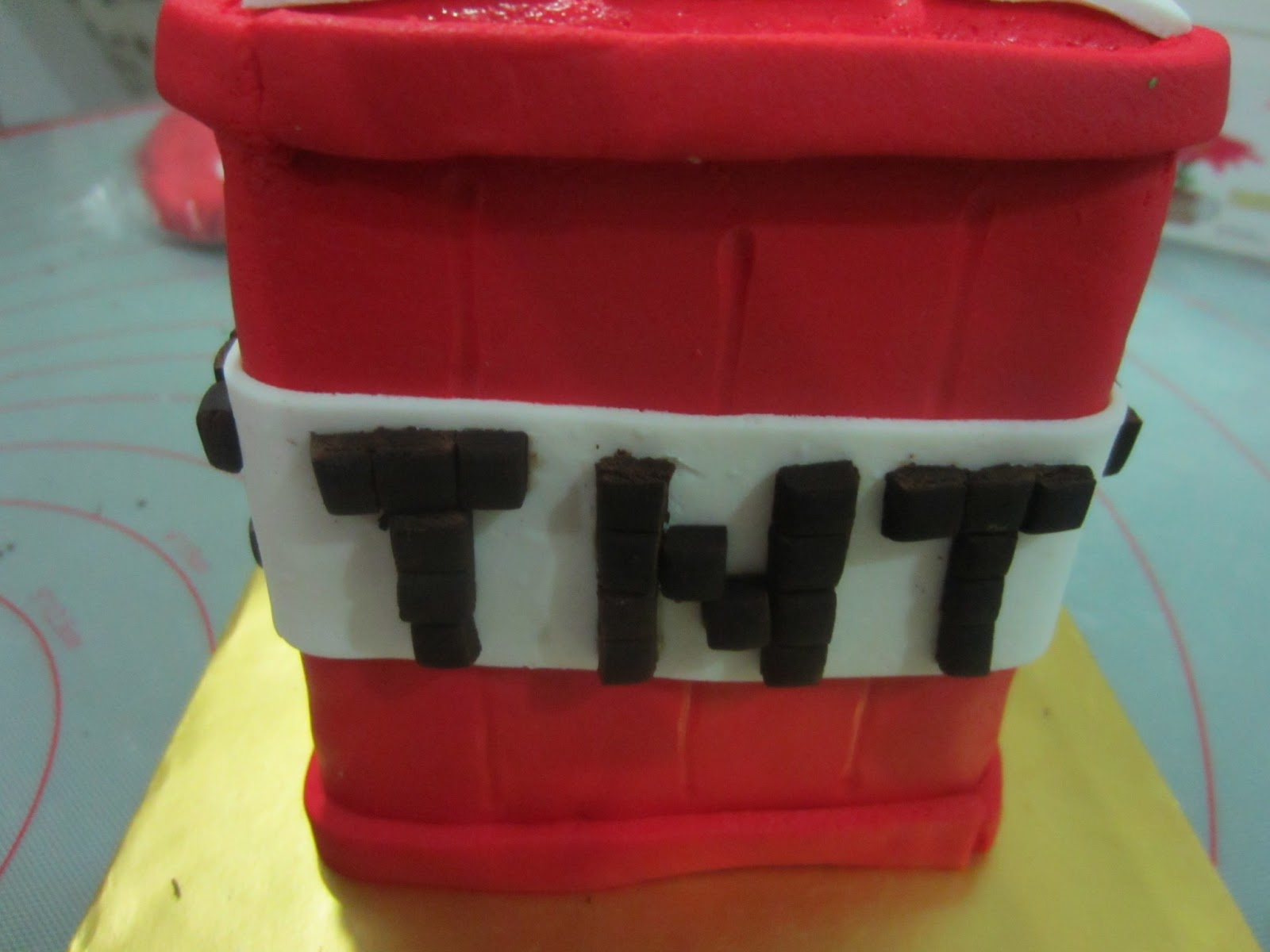 Home May\'de Cakes: The Making: Minecraft Cake