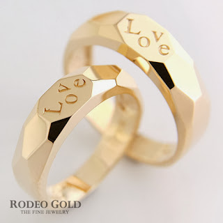 http://www.rodeogold.com/new-engagement-rings/gold-engagement-rings-tcr36497#.UpoPRY2ExAI